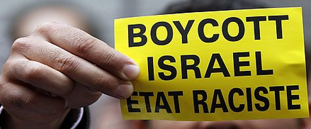 Protester calling for a boycott of Israel - Photo: REUTERS