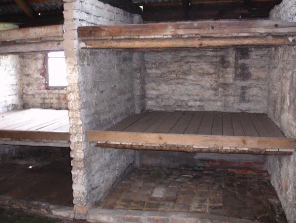 Auschwitz Barracks - Photo: IsraelandStuff/PP