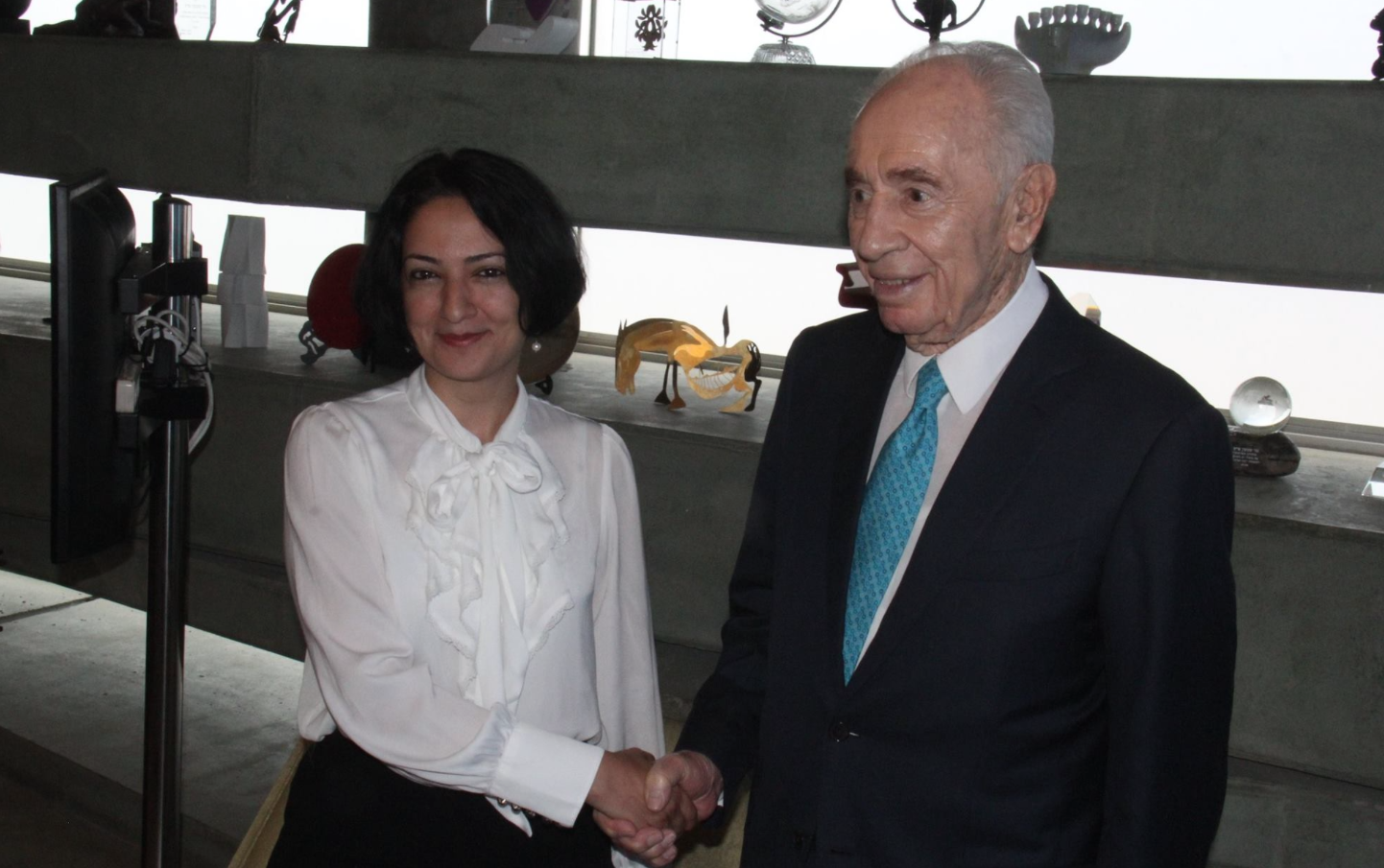 Maryam Faghih visits Shimon Peres in Israel bringing message of peace - Photo: The Peres Center For Peace