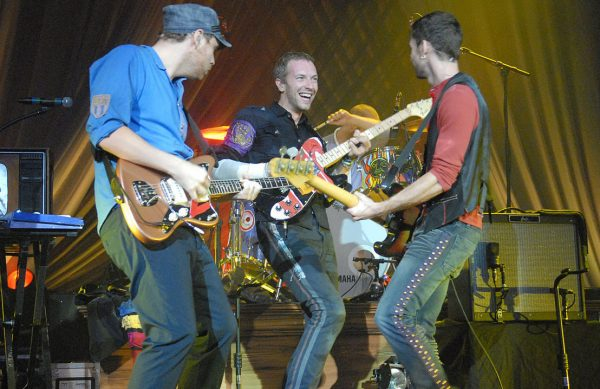Coldplay performs for Nissan 2008 - Wikimedia Commons
