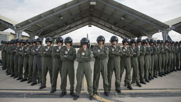 The IAF's 173rd graduating class with (4th female pilot) Lt. Shahar in the center (Photo- IDF Spokesperson's Unit